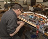speeltafel restauratie in uitvoering